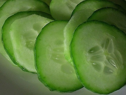 Cucumber juice and slices for a pimple and acne scars