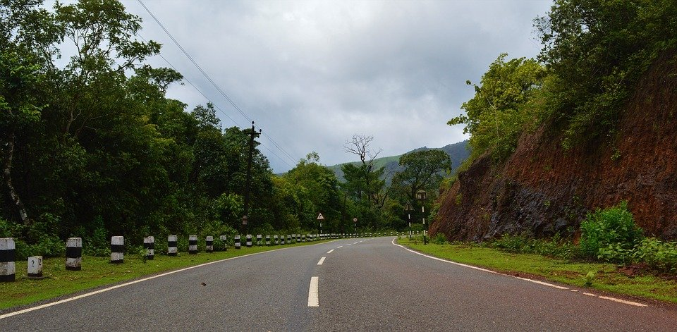 Mumbai to Goa Road scene