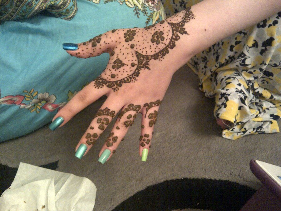 Lace Glove Henna Design