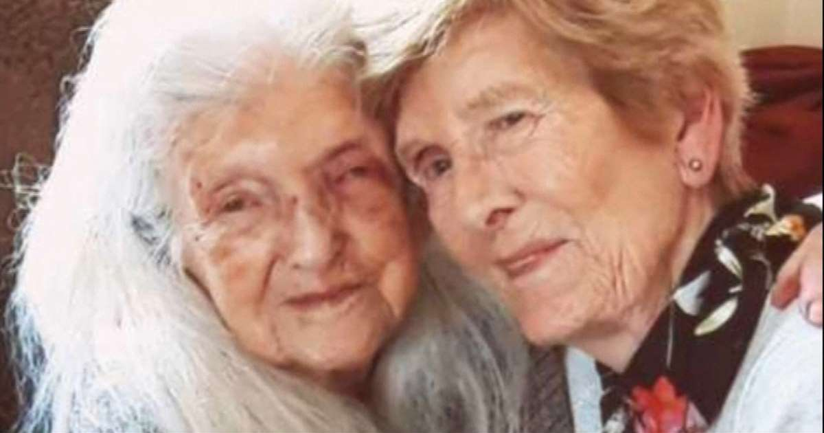 81-year-old Irish Girl finally meets 104-year-old Mommy
