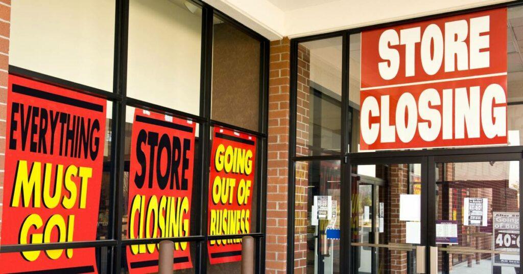 10 Retail Stores in Danger