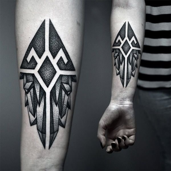 Abstract and symmetrical designs