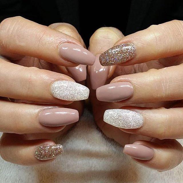 Neutral nail designs