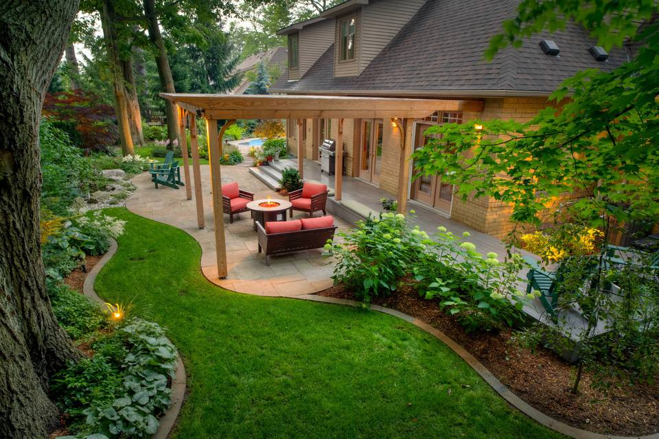 Tips for Planting Outdoor Flowers and Backyard Ideas
