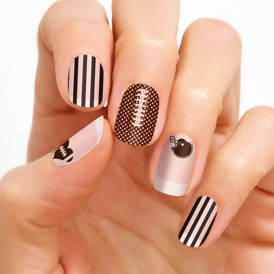 How to Apply Clear Nail Art