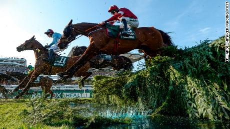 Tiger Roll (foreground) won the Grand National for the second consecutive time last year.