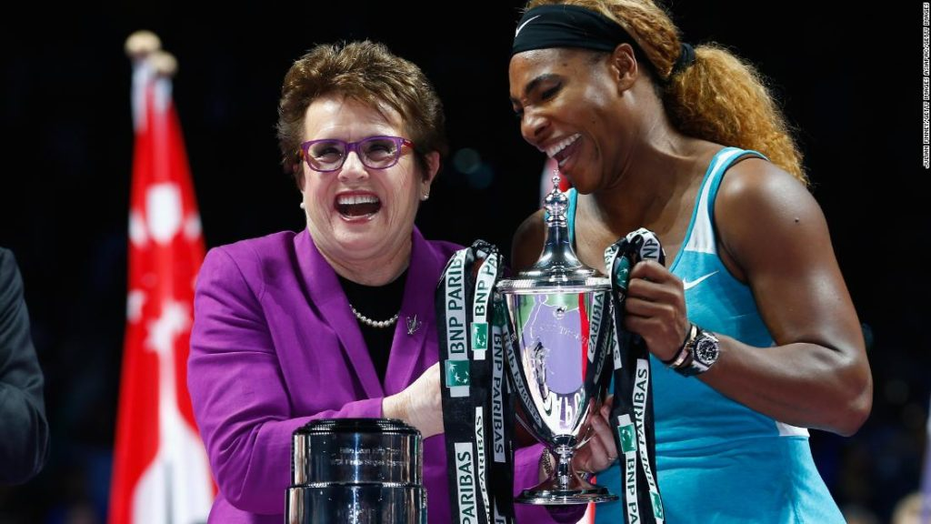 Billie Jean King says record-chasing Serena Williams should see tennis