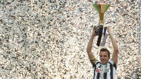 Alessandro Del Piero: Italian soccer league should 'finish properly'