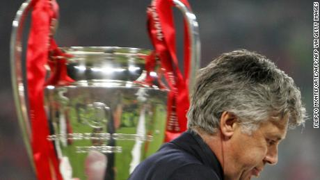 Carlo Ancelotti misses the throphy at the end of the Champions League final between AC Milan and Liverpool in Istanbul.