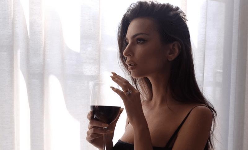 Emily Rata: the most beautiful quarantined fashion shots