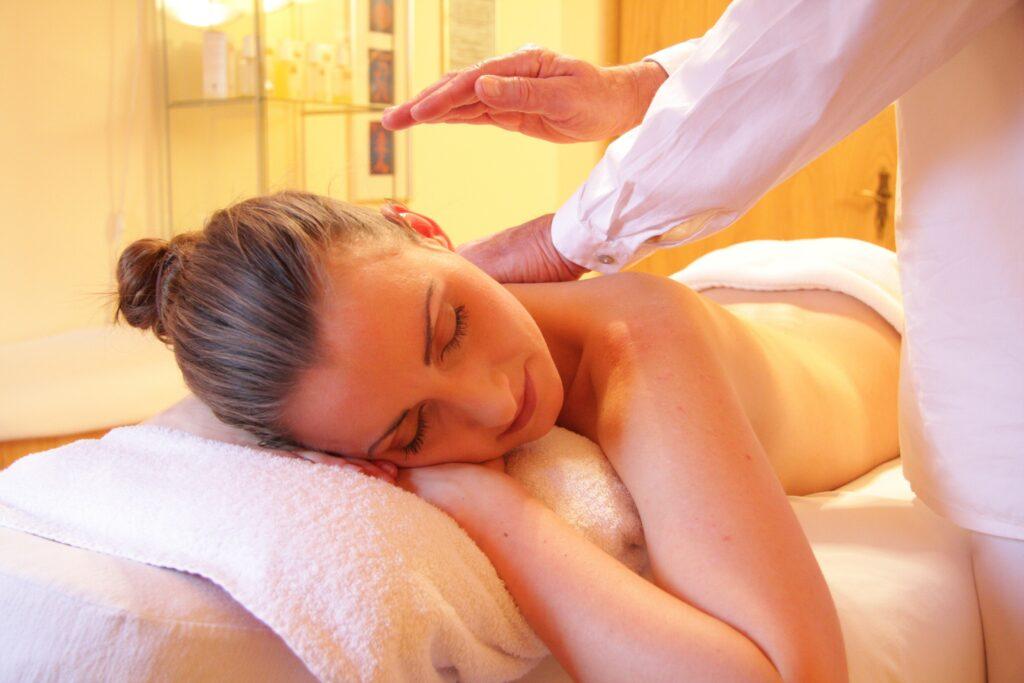 self massaging table