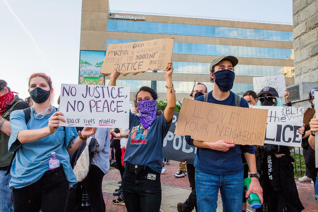 037-george-floyd-murder-police-racism-protest-blacklivesmatter-asheville-north-carolina