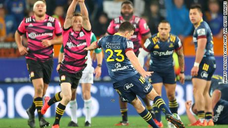 Bryn Gatland kicks off the winning goal to give the Otago Highlanders a 28-27 victory over the Waikato Chiefs in the Aotearoa Super Rugby competition.