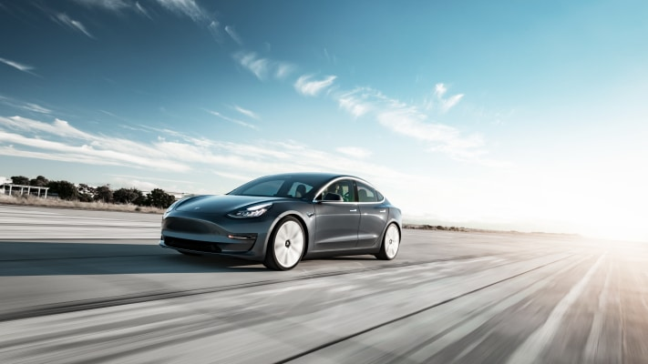Tesla's U.S.-made Model 3 vehicles now come equipped with wireless charging, USB-C ports – TechCrunch