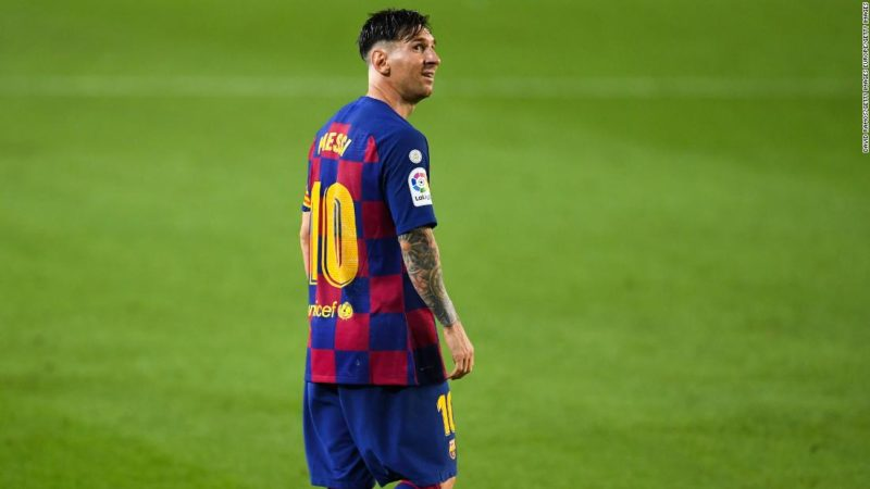 Lionel Messi scores 700th career goal but Barcelona stutter in title race