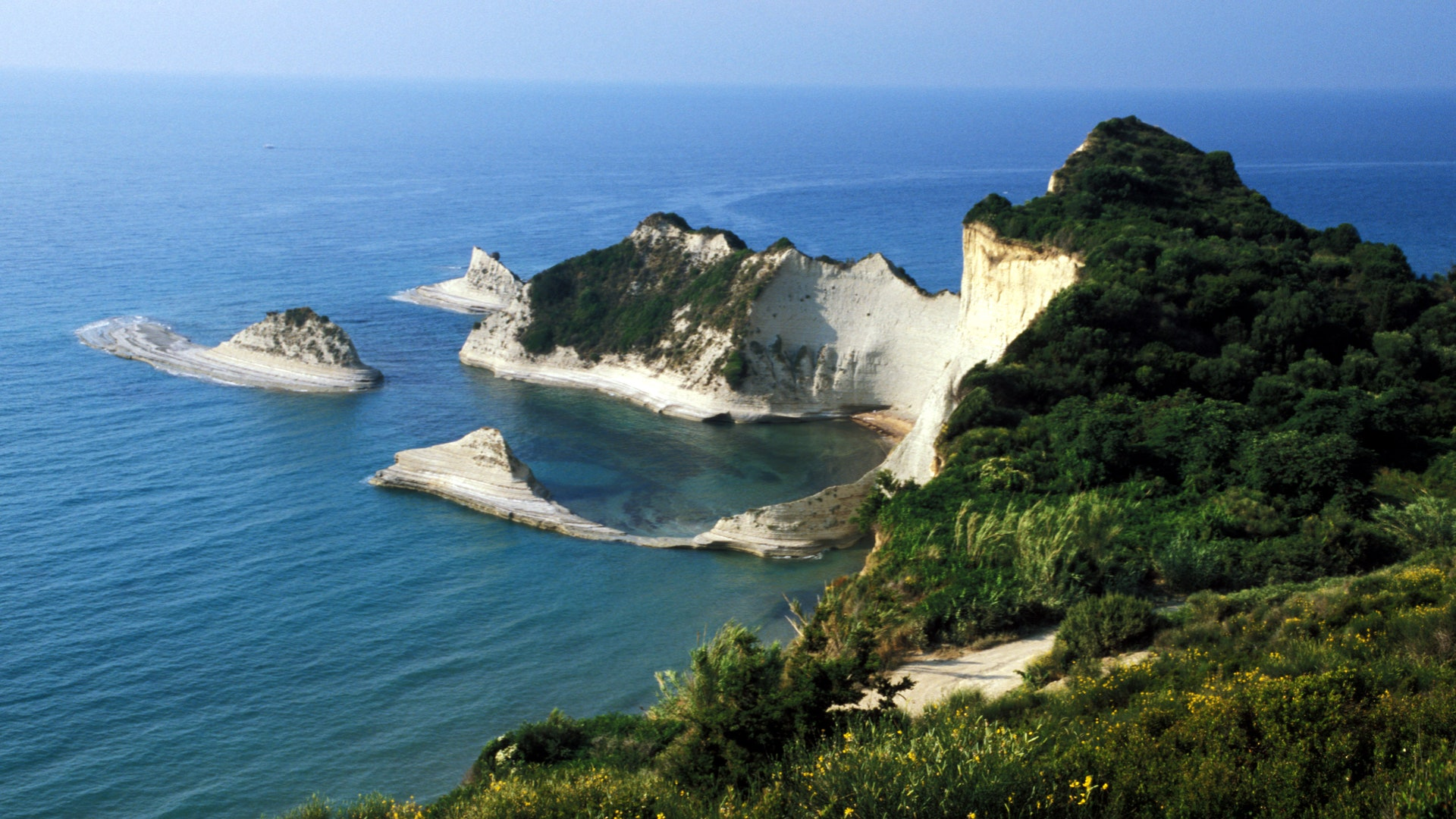 Travel to Corfu: 5 places not to be missed