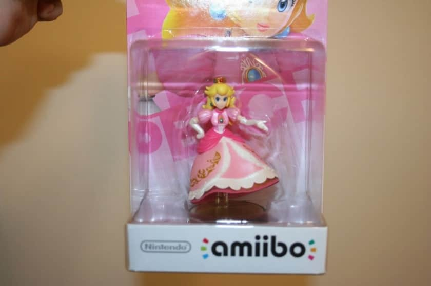 Most Expensive Amiibo Figures - Princess Peach Without Legs