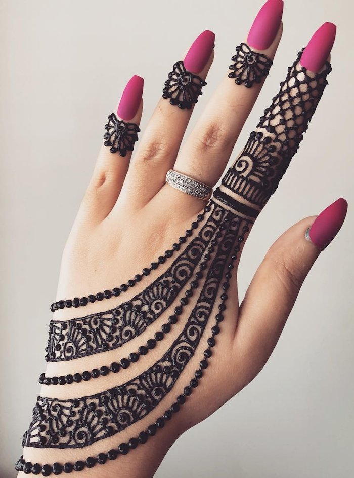 arabic simple back hand mehndi design