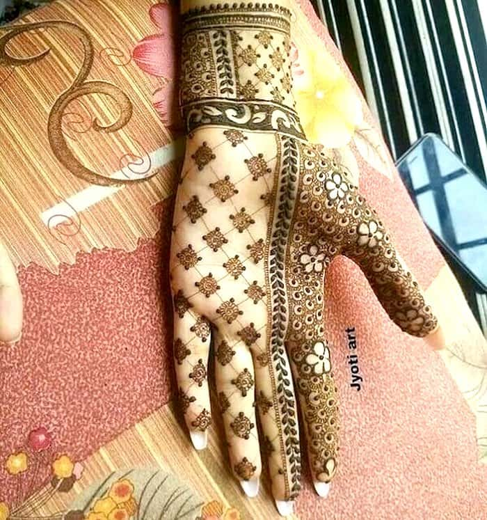 Half-half beautiful henna
