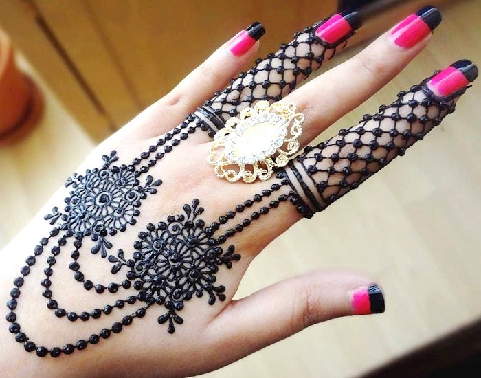 Very easy arabic design of mehndi