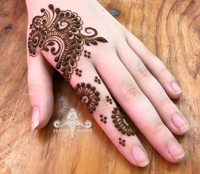 Magic of dots - latets henna design