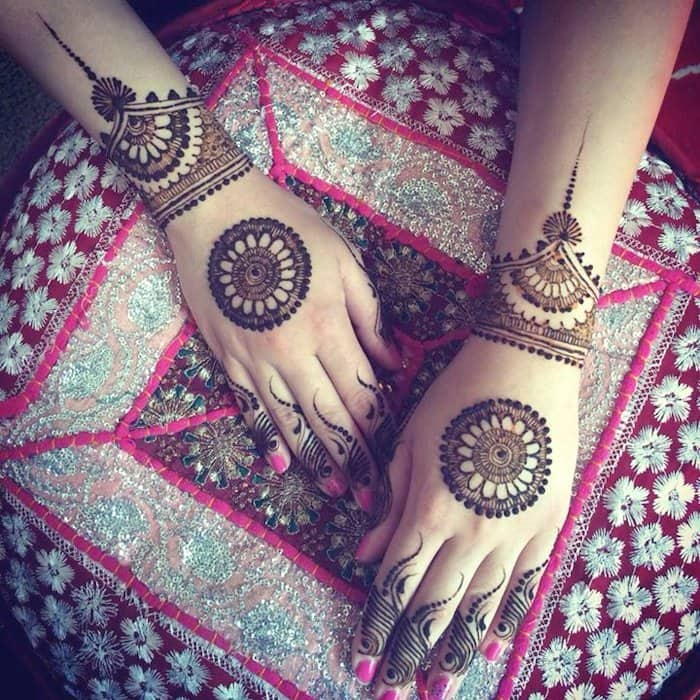 Simple and elegent henna design