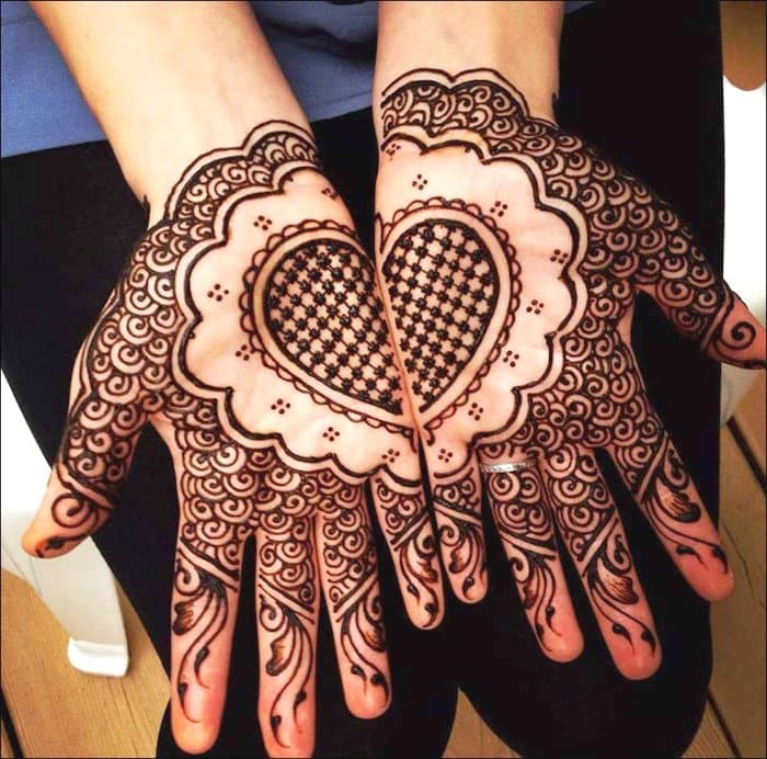 Arabic heart shaped mehndi designs
