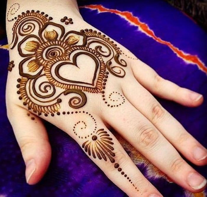 Easy heart henna designs