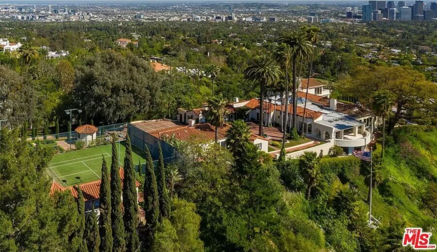 Here's The $40 Million Mansion LeBron James Just Bought In Beverly Hills