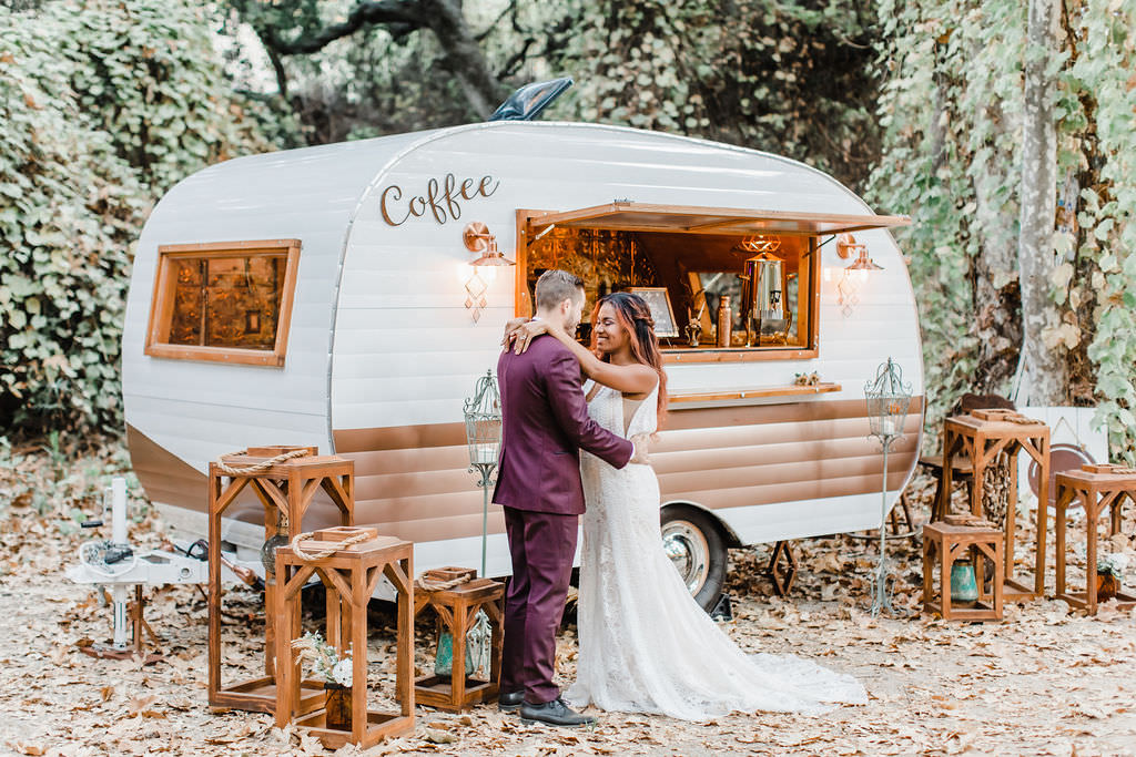 'California Forest Wedding' is a simple and organic 1970s bohemian wedding inspiration.