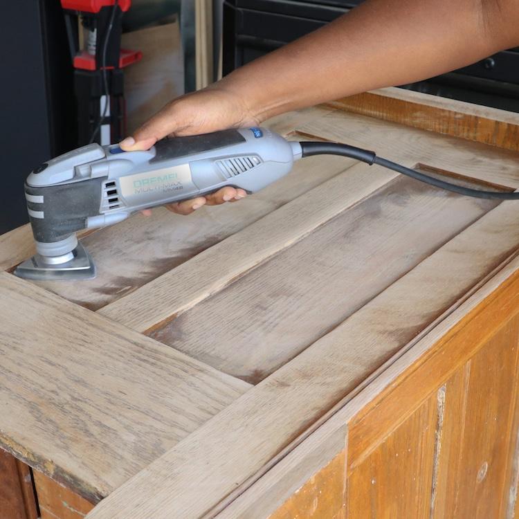 Repurposed Furniture: Dresser transformation with Varathane Premium