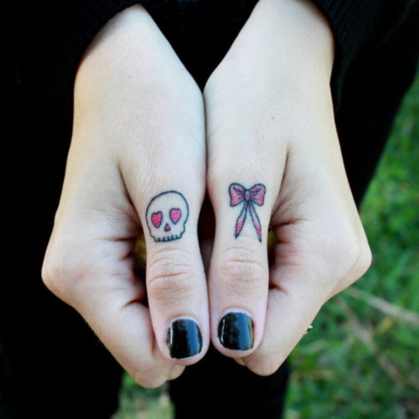 Relevant Small Tattoo Ideas and Designs for Girls0081