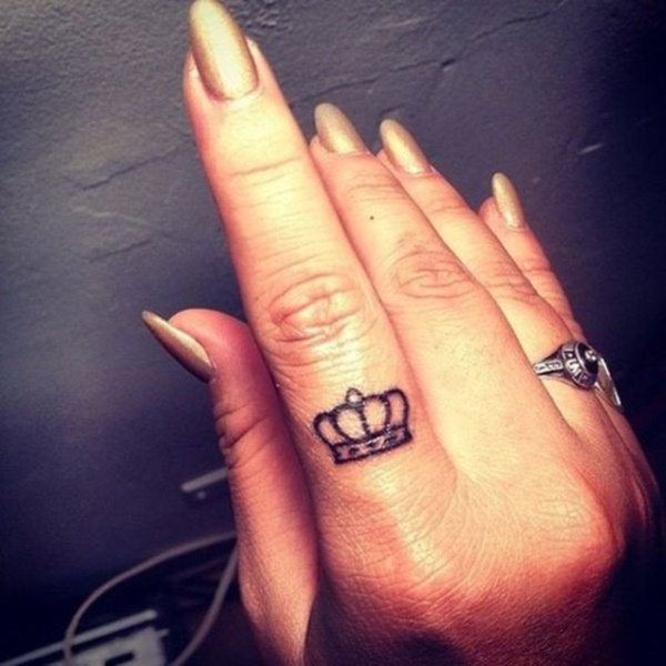 Relevant Small Tattoo Ideas and Designs for Girls0771