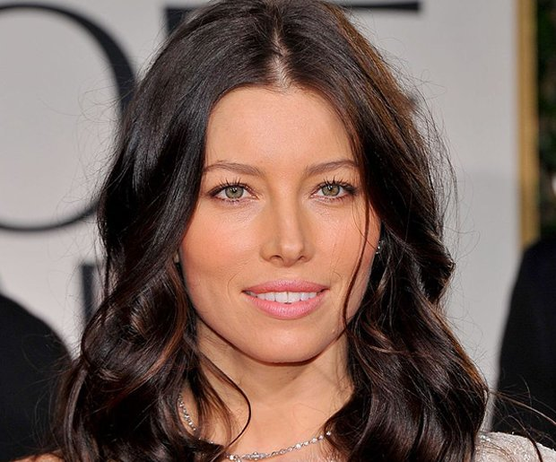 Best Hair Color for Green Eyes: Jessica Biel