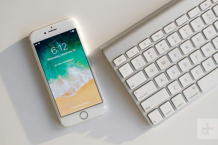 Apple iPhone 8 review keyboard in front