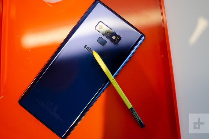 Galaxy Note 9 blau mit gelbem Stift