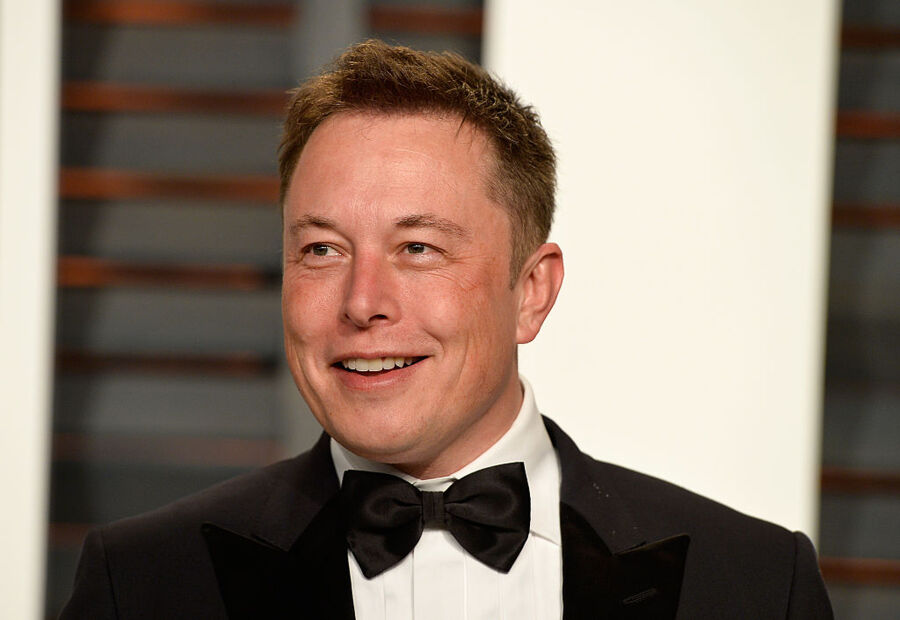 BEVERLY HILLS, CA - FEBRUARY 22:  CEO of Tesla and Space X Elon Musk attends the 2015 Vanity Fair Oscar Party hosted by Graydon Carter at Wallis Annenberg Center for the Performing Arts on February 22, 2015 in Beverly Hills, California.