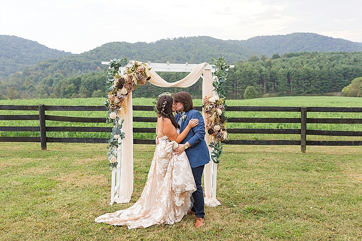 Dana and Pauline's Pizza and Dancing Fun Barn Barn Wedding in Virginia by Sidney Cane Photography