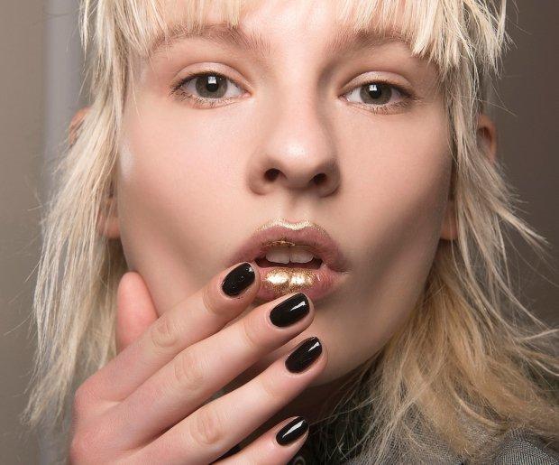 How to Make DIY Lip Plumper at Home