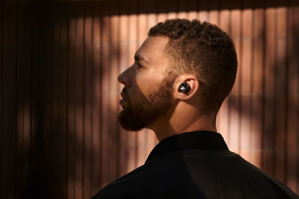 Lifestyle image of a person wearing the Sennheiser CX 400BT True Wireless.