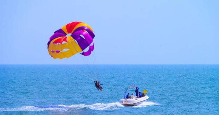 Parasailing in Goa scene
