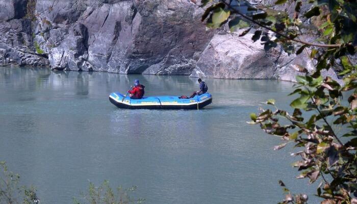 Enjoy the Safari Float in the Korobisi River