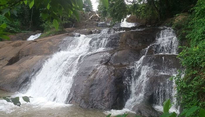 Aruvikkuzhi Falls