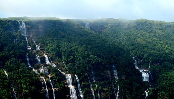 Nohshingithiang Falls