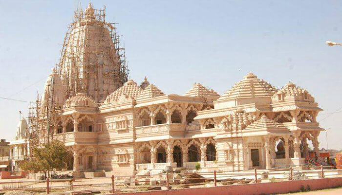 Sanvalia Seth Prakatya Temple