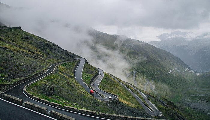Best Time to Visit Stelvio Pass