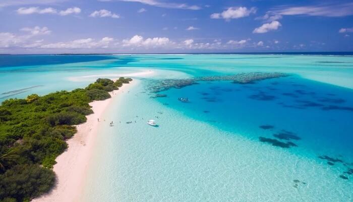 Best Time to Visit Sri Lanka vs Maldives