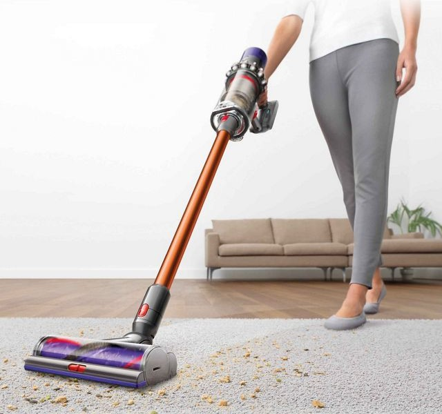 Dyson Cyclone V10 Absolute Vacuum Review: Tips Clear