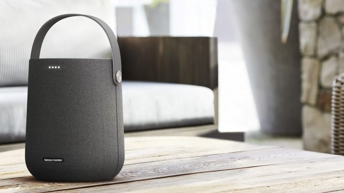 Herman Kardon Quote 200 Smart Speaker's Lifestyle Image In Black.