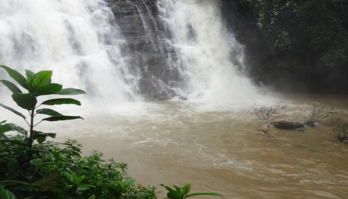 Kalhatti waterfall